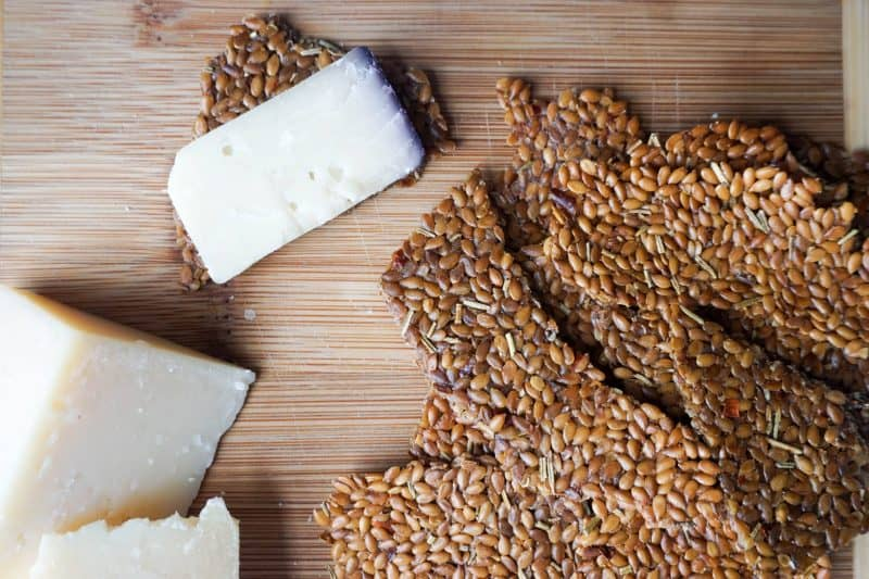 Flax Seed Crackers Recipe - 1 Ingredient! - KetoConnect