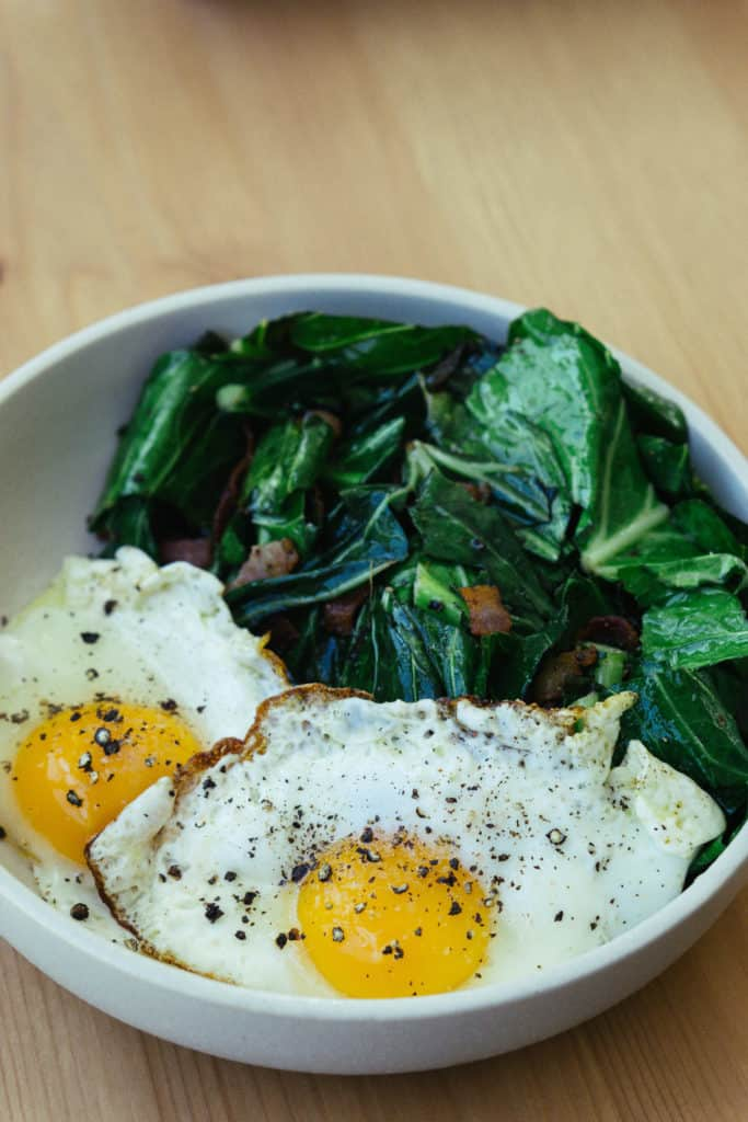 Keto egg breakfast bowl