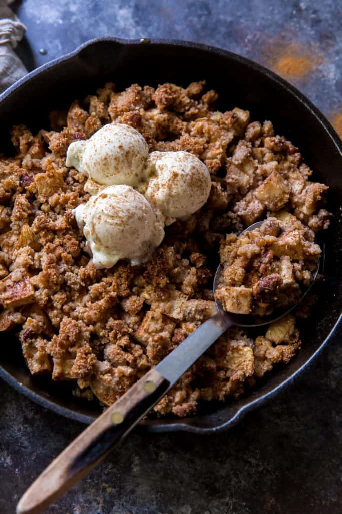 Serving keto apple crisp with a spoon