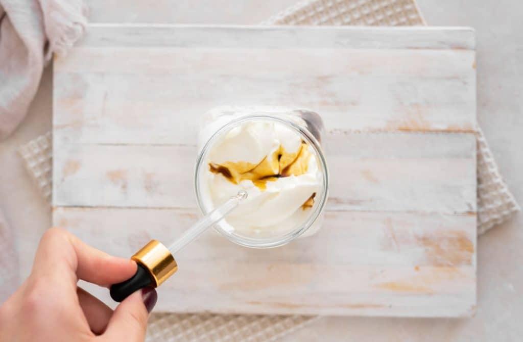 Mixing stevia and vanilla into keto yogurt