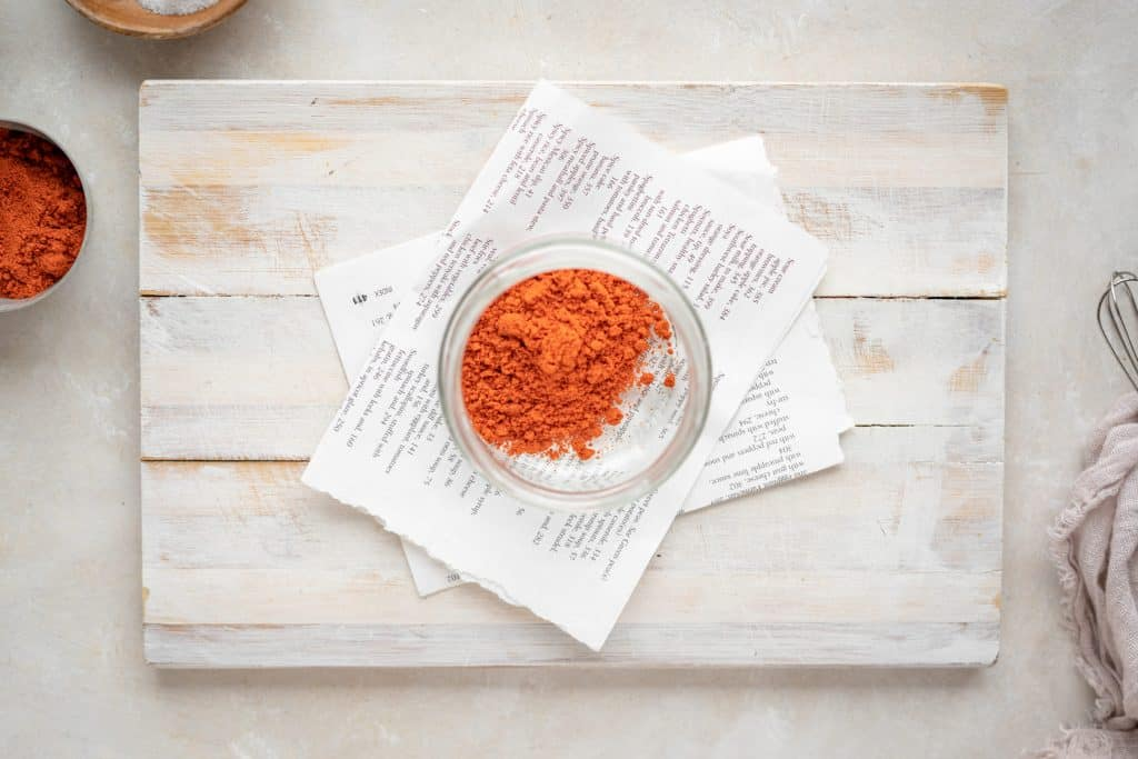 Chili powder and paprika in a jar