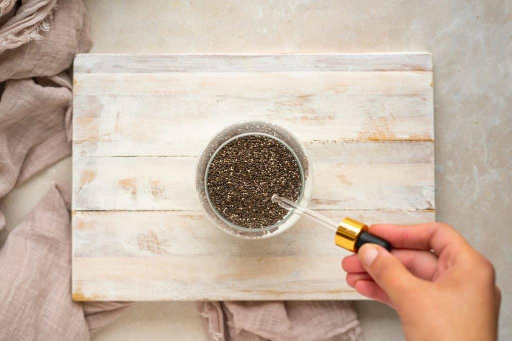 Adding stevia into the chia puddding