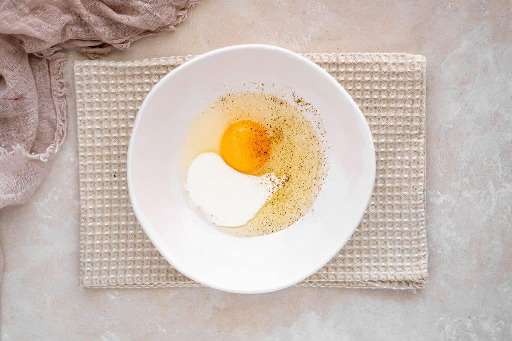 heavy cream and an egg are used for the wet ingredient coating