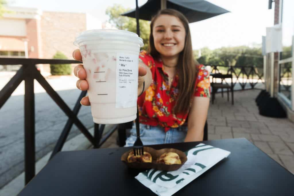outdoor seating at starbucks after ordering a keto friendly drink
