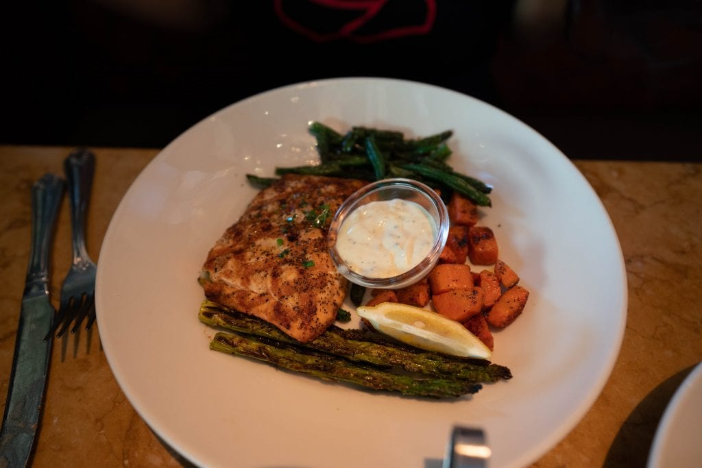 skinnylicious salmon entree from the cheesecake factory